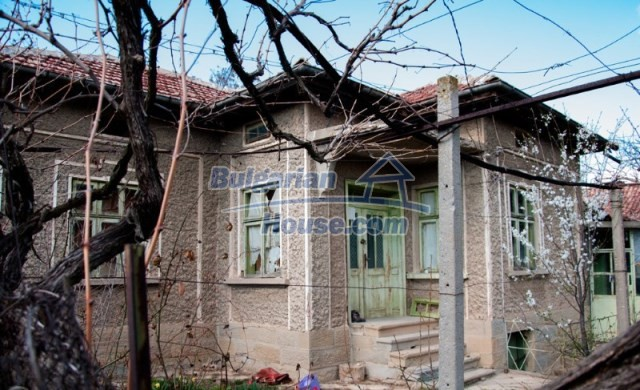 11040:2 - A nice old house for sale in a charming region, Shumen