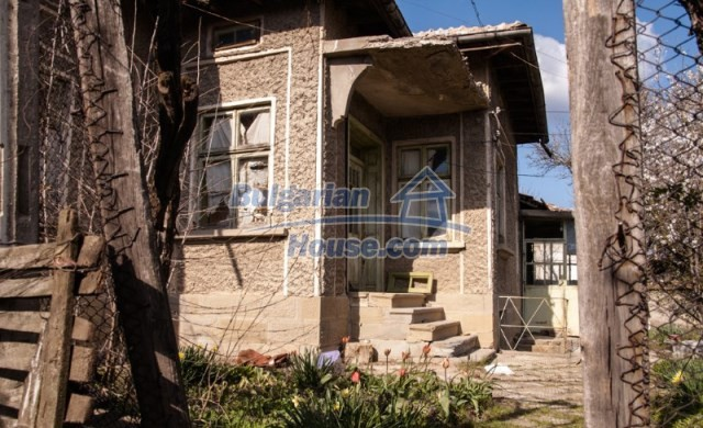 11040:5 - A nice old house for sale in a charming region, Shumen