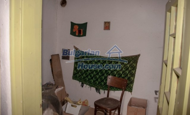 11040:15 - A nice old house for sale in a charming region, Shumen