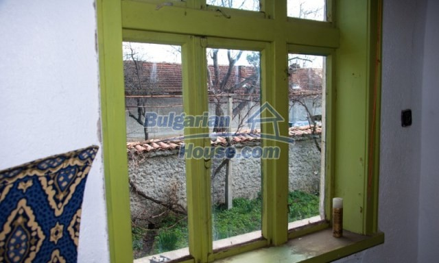 11040:17 - A nice old house for sale in a charming region, Shumen