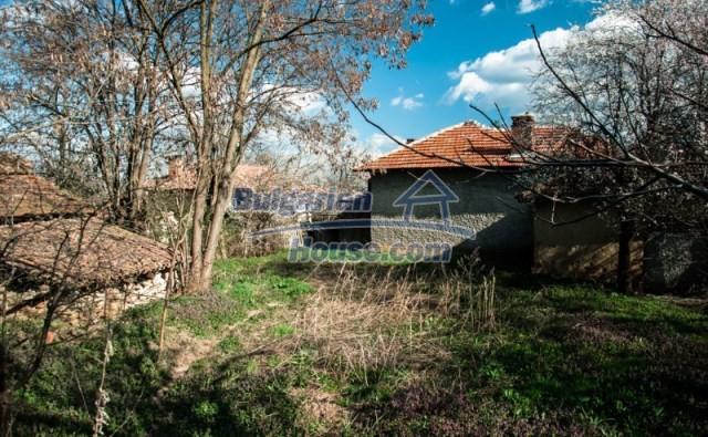 11040:8 - A nice old house for sale in a charming region, Shumen