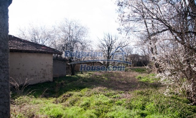 11040:9 - A nice old house for sale in a charming region, Shumen