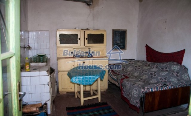 11040:11 - A nice old house for sale in a charming region, Shumen