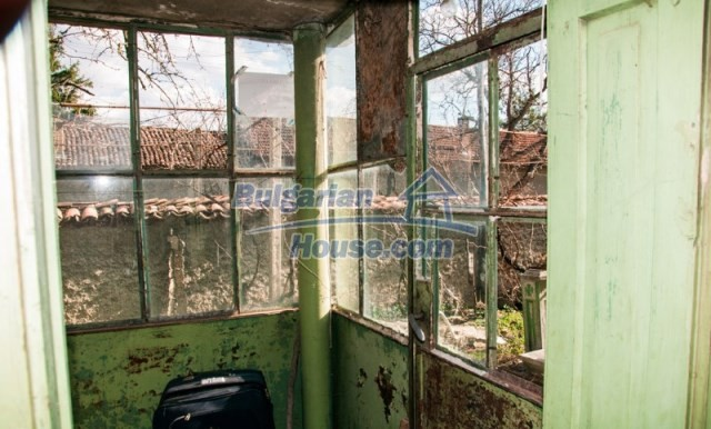 11040:12 - A nice old house for sale in a charming region, Shumen