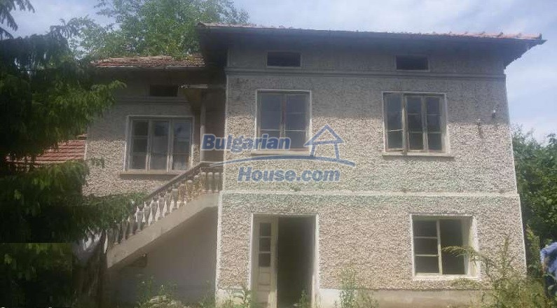 12293:1 - Cheap property in Veliko Tarnovo region with water well