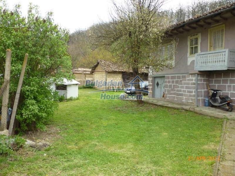 12763:5 - House with big garden in a peaceful place for sale near Opaka