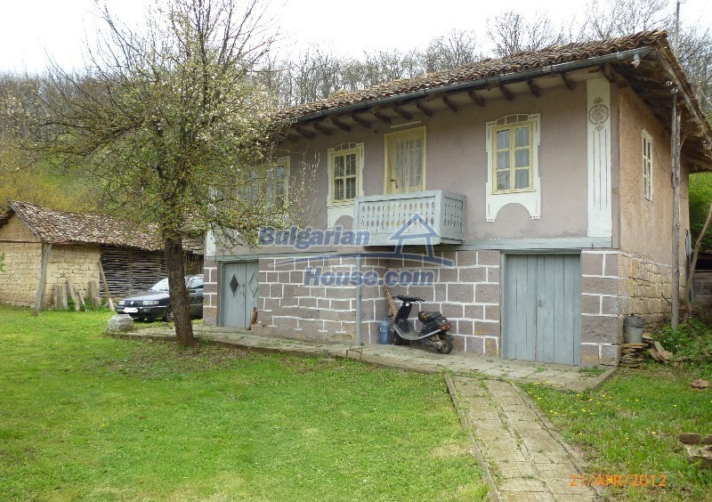 12763:1 - House with big garden in a peaceful place for sale near Opaka