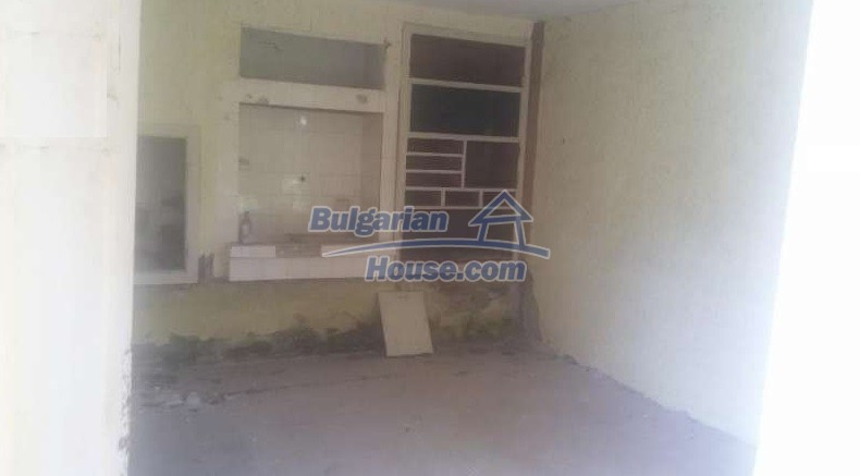 12293:11 - Cheap property in Veliko Tarnovo region with water well