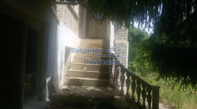 12293:8 - Cheap property in Veliko Tarnovo region with water well