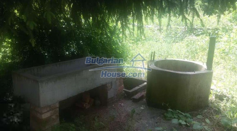 12293:9 - Cheap property in Veliko Tarnovo region with water well