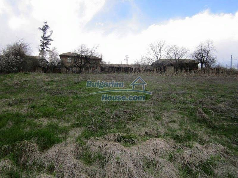 12712:3 - Cozy Bulgarian house for sale with garden of 5100sq.m, Popovo