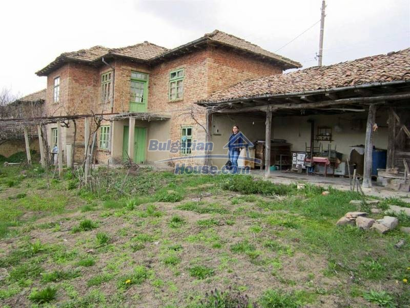 12712:4 - Cozy Bulgarian house for sale with garden of 5100sq.m, Popovo