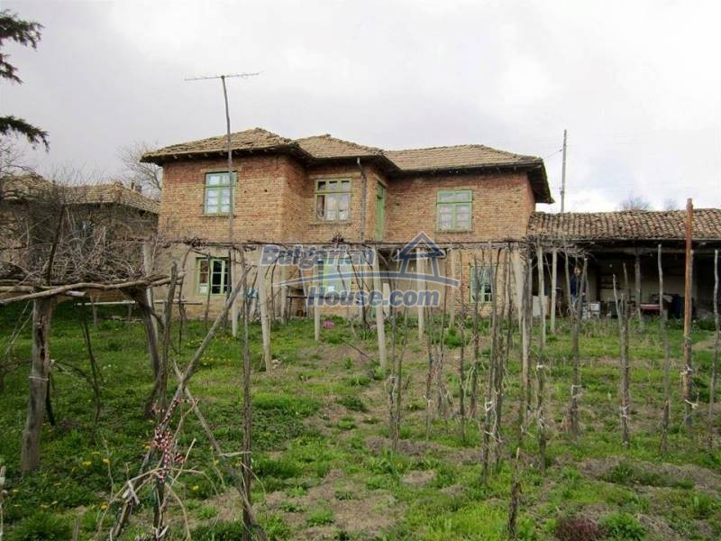 12712:5 - Cozy Bulgarian house for sale with garden of 5100sq.m, Popovo