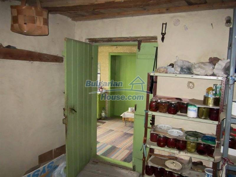 12712:8 - Cozy Bulgarian house for sale with garden of 5100sq.m, Popovo
