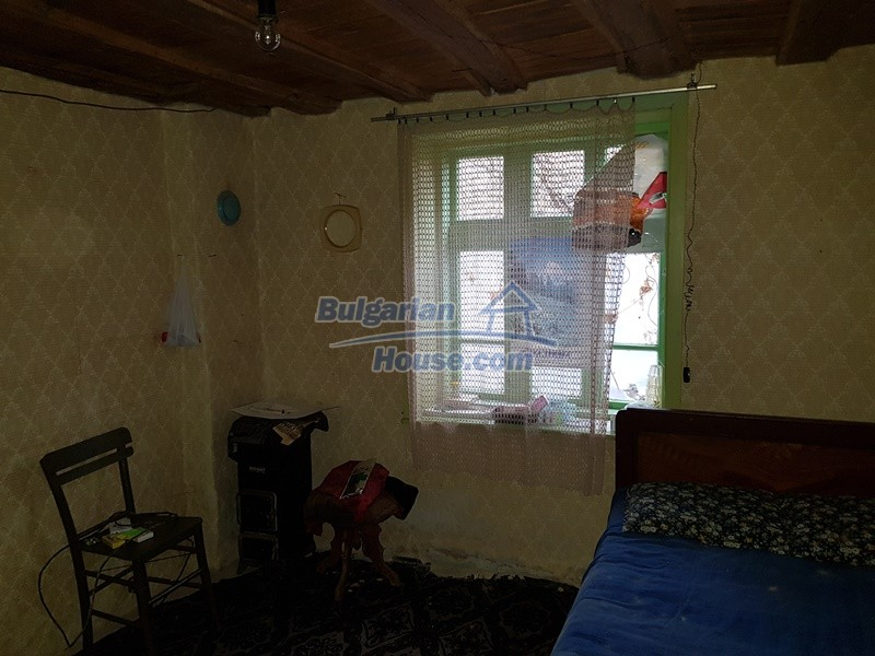 12712:24 - Cozy Bulgarian house for sale with garden of 5100sq.m, Popovo
