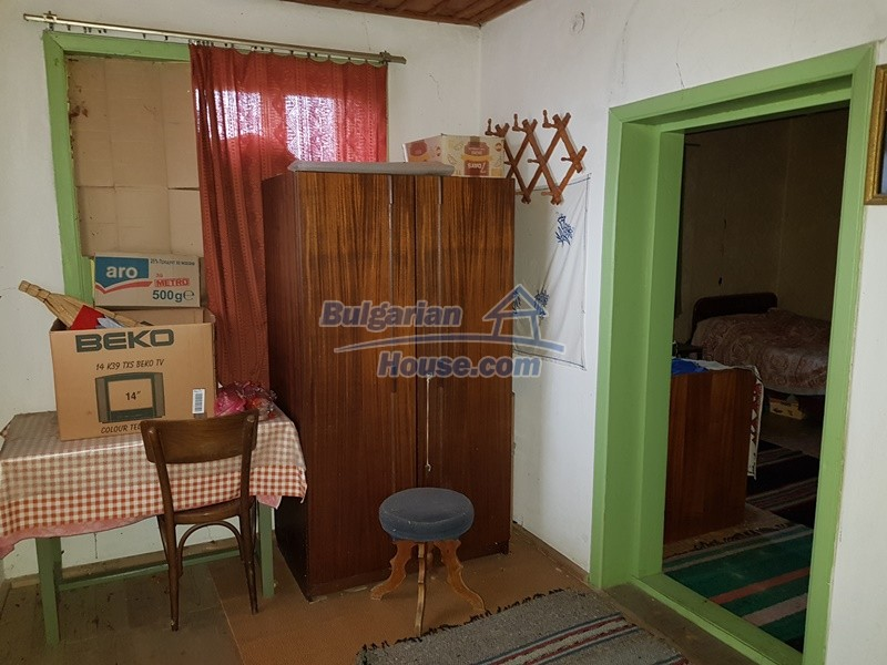 12712:33 - Cozy Bulgarian house for sale with garden of 5100sq.m, Popovo