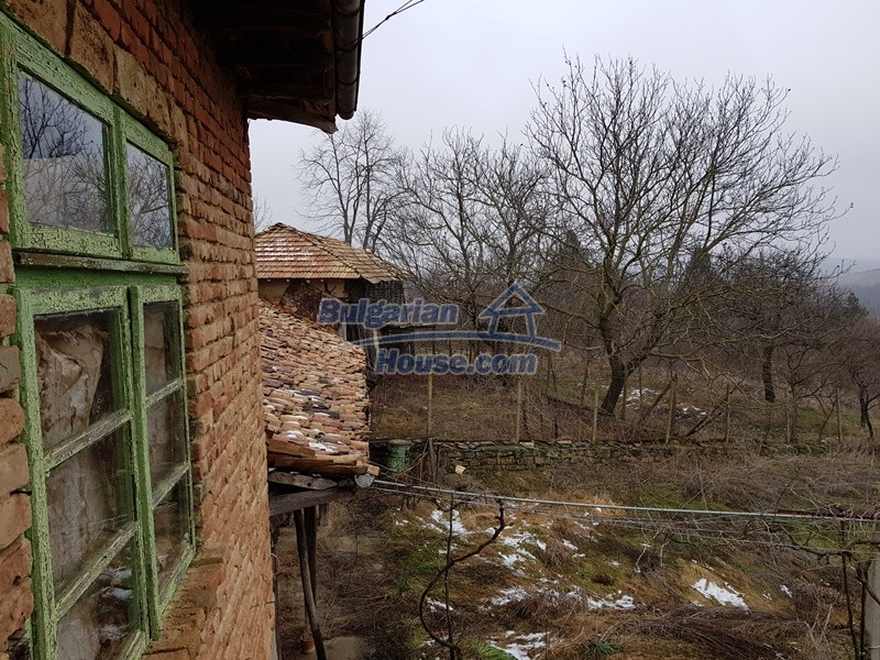 12712:51 - Cozy Bulgarian house for sale with garden of 5100sq.m, Popovo