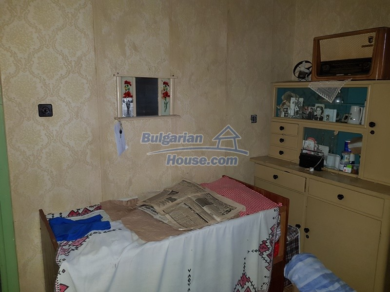 12712:42 - Cozy Bulgarian house for sale with garden of 5100sq.m, Popovo