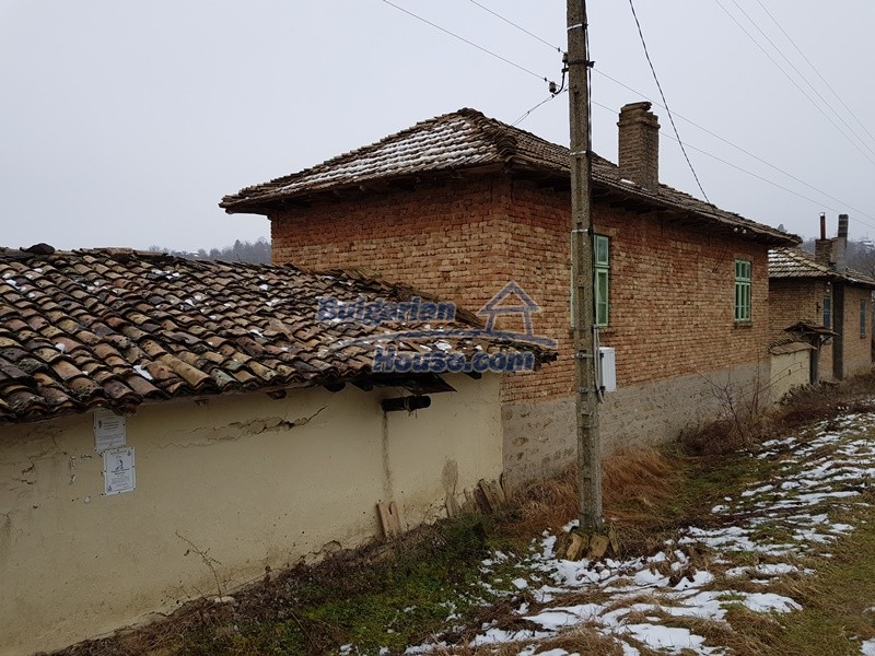 12712:67 - Cozy Bulgarian house for sale with garden of 5100sq.m, Popovo
