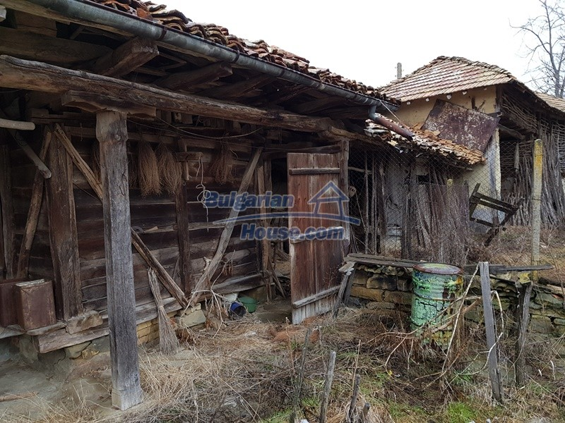 12712:57 - Cozy Bulgarian house for sale with garden of 5100sq.m, Popovo