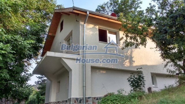 11995:1 - Furnished house near Sofia – nicely arranged garden