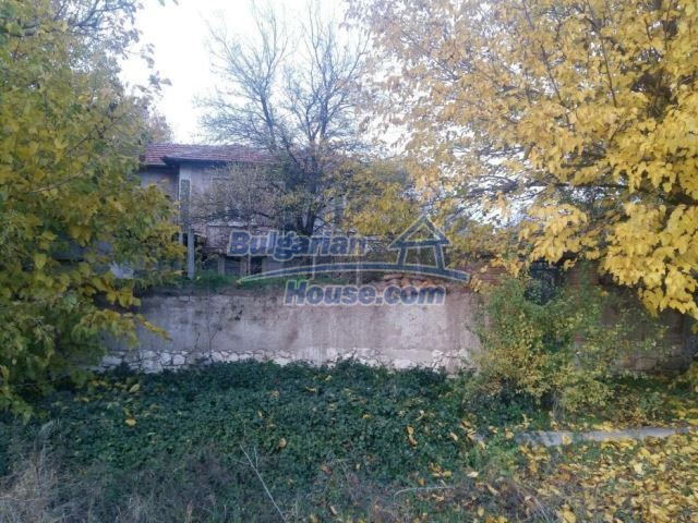 12738:12 - Bulgarian house for sale  in Shishmatsi 24km away from Plovdiv