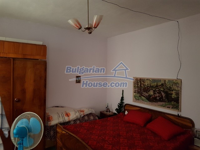 12739:7 - Partly renovated Bulgarian property for sale 35 km from Plovdiv