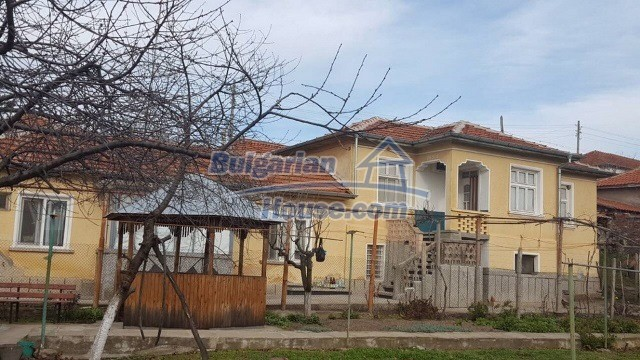 12739:2 - Partly renovated Bulgarian property for sale 35 km from Plovdiv