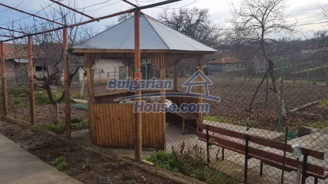 12739:4 - Partly renovated Bulgarian property for sale 35 km from Plovdiv