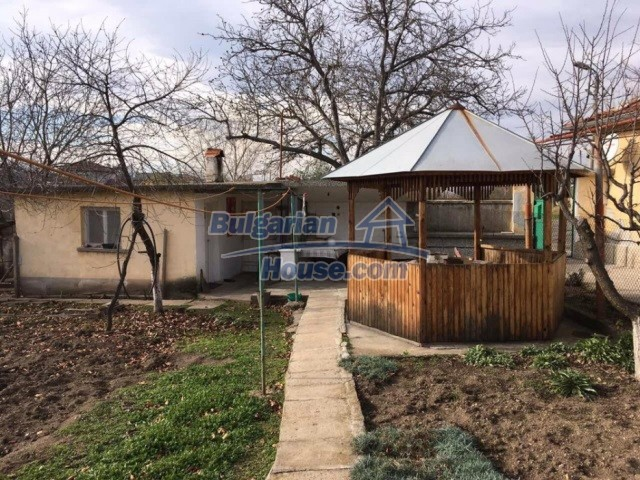 12739:3 - Partly renovated Bulgarian property for sale 35 km from Plovdiv