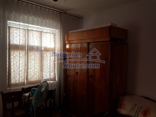 12739:10 - Partly renovated Bulgarian property for sale 35 km from Plovdiv
