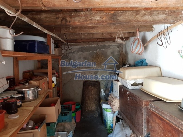 12739:28 - Partly renovated Bulgarian property for sale 35 km from Plovdiv