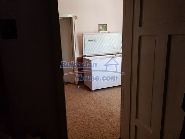 12739:12 - Partly renovated Bulgarian property for sale 35 km from Plovdiv