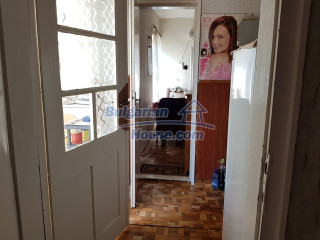 12739:51 - Partly renovated Bulgarian property for sale 35 km from Plovdiv