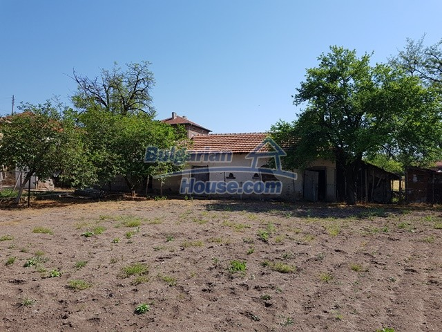 12739:66 - Partly renovated Bulgarian property for sale 35 km from Plovdiv