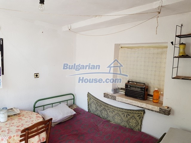 12739:54 - Partly renovated Bulgarian property for sale 35 km from Plovdiv