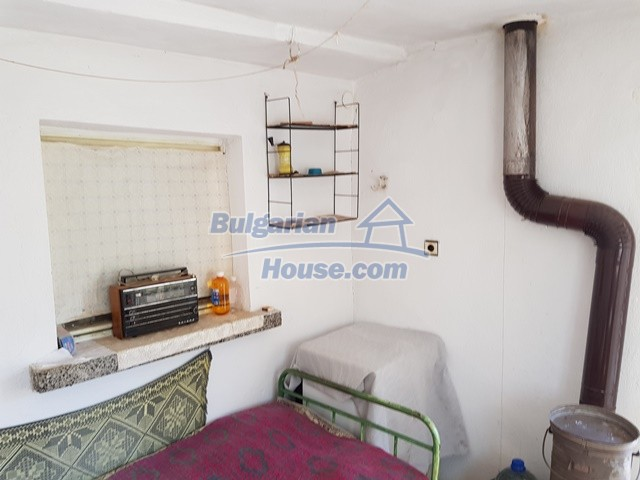 12739:58 - Partly renovated Bulgarian property for sale 35 km from Plovdiv