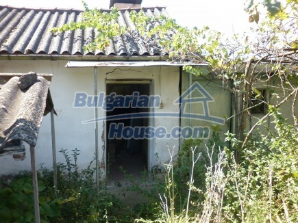 12753:17 - Rural Bulgarian property near river and 35 km from Vratsa city
