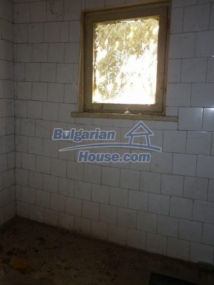 12753:21 - Rural Bulgarian property near river and 35 km from Vratsa city