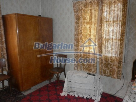 12753:12 - Rural Bulgarian property near river and 35 km from Vratsa city