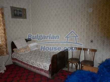 12753:10 - Rural Bulgarian property near river and 35 km from Vratsa city