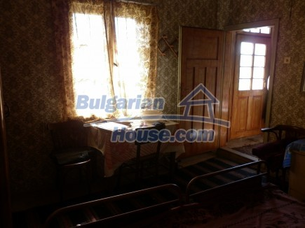 12753:15 - Rural Bulgarian property near river and 35 km from Vratsa city