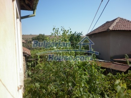 12753:27 - Rural Bulgarian property near river and 35 km from Vratsa city