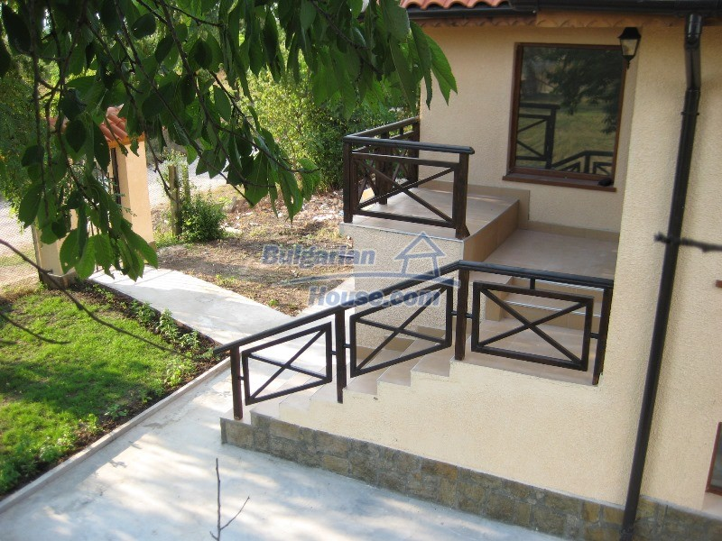 11137:32 - Nice renovated rural house near a golf course, Elhovo