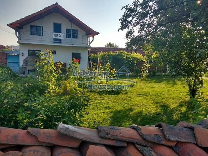 12682:1 - Stunning house for sale only 5 minutes from a lake, near Haskovo