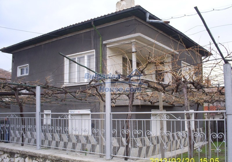 12006:1 - Well presented house with nice garden 20 km away from Plovdiv
