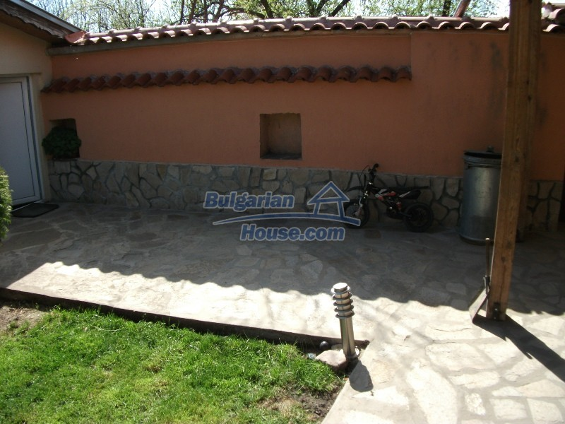 12008:21 - Cozy Bulgarian house with swimming pool in Stara Zagora region