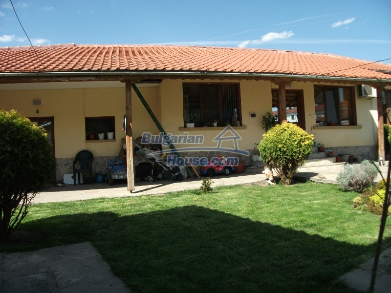 12008:18 - Cozy Bulgarian house with swimming pool in Stara Zagora region