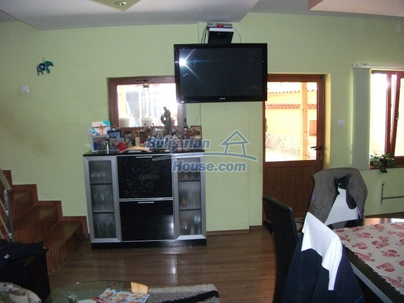 12008:35 - Cozy Bulgarian house with swimming pool in Stara Zagora region