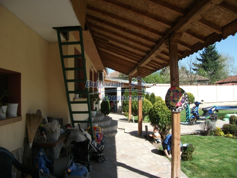 12008:54 - Cozy Bulgarian house with swimming pool in Stara Zagora region
